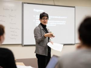 Professor Maria DiFrancesco teaching a spanish lecture.