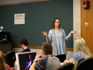 Professor Jennifer Jolly teaching an Art History lecture.