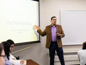 Professor Gustavo Licon teaching Post-Colonial Latin America Republics class